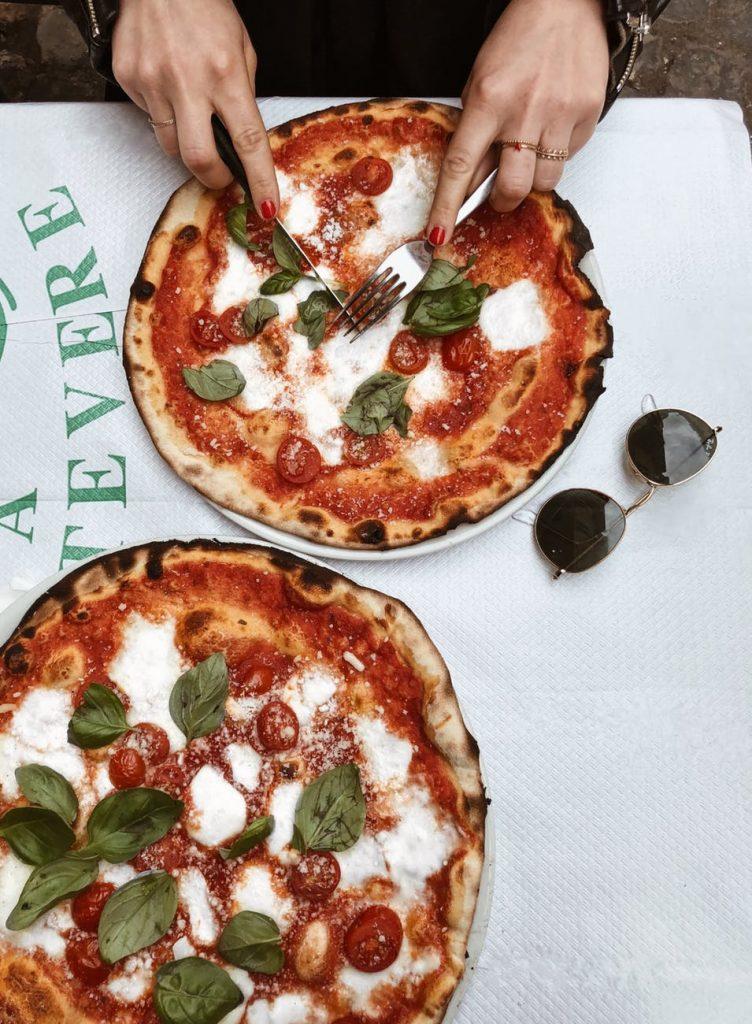 la-pizza-è-il-cibo-che-sa-regalare-più-gioia-agli-italiani